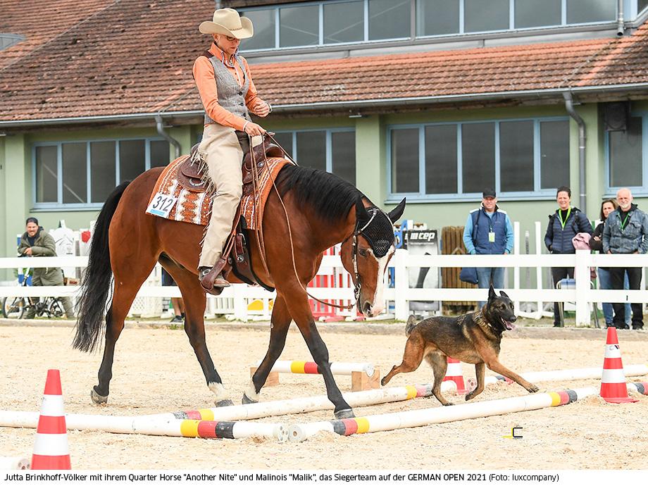 Jutta Brinkhoff-Völker Deutsche Meisterin 2021 im Horse & Dog Trail